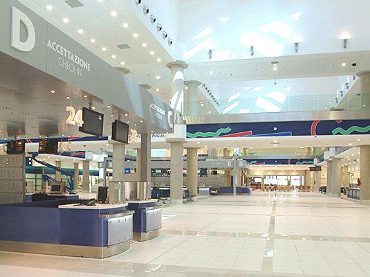 Аэропорт Бари в Италии: как добраться из аэропорта до своего отеля