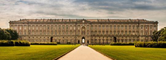 Королевский Дворец в Казерте и как добраться из Неаполя