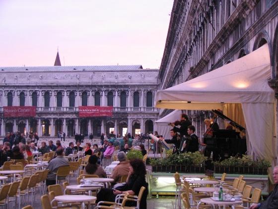 Когда лучше ехать в Венецию