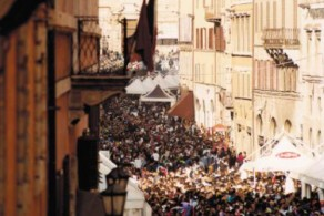 Во время фестиваля Шоколада на улицах Перуджи не протолкнуться