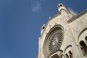 Кафедральный собор Модены очень сложно отснять целиком в одном кадре
