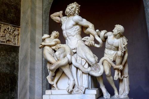 Скульптура Лаокоон и его сыновья была первой в музеях Ватикана
