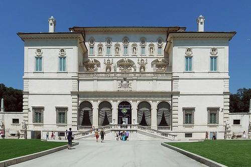 Вилла Боргезе была возведена в Риме в 1615 году