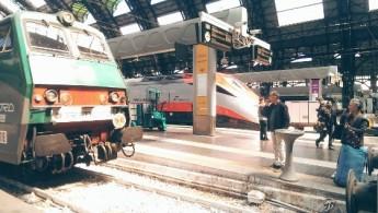 Старый и новый поезда на станции Milano Centrale