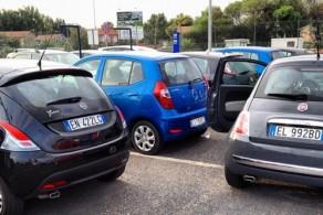 Заказать трансфер или взять авто из аэропорта Катании нетрудно, но лучше заранее сравнить предложения от различных компаний