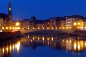 Новогодние концерты, дискотеки и фейерверки в Пизе, как и в других городах Италии, концентрируются в центре города