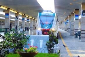 С вокзала Флоренции ежедневно отправляются поезда во все значимые города Италии: Рим, Милан, Венецию, Неаполь