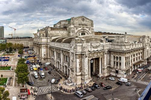 вокзала Милана состоялось