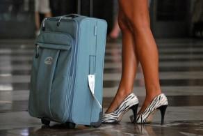Подбирая гардероб для отпуска, следует учитывать как погодные условия, так и цель поездки