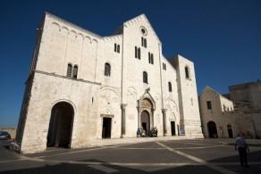 Главная достопримечательность Бари – базилика Святителя Николая, возведенная в XI веке