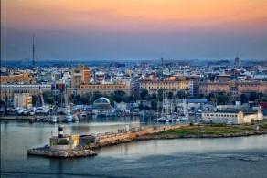 Бари – довольно крупный порт, связывающий Италию с Грецией, Хорватией и Черногорией