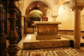 Рака с мощами Николая Чудотворца в базилика св.Николая