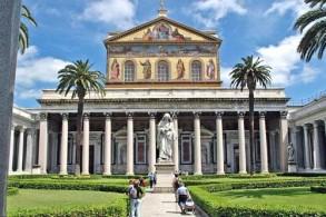 Базилика Сан Паоло Фуори ле Мура построена на месте захоронения Святого Павла