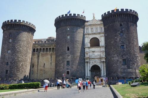 Экскурсии в Неаполе, фото, Анжуйская крепость, Неаполь, Италия