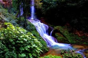 Вилла Грегориана представляет собой ландшафтный парк с гротами, водопадами и туннелями