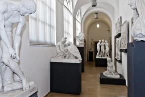 Здесь собраны скульптуры и полотна итальянских, французских и фламандских мастеров