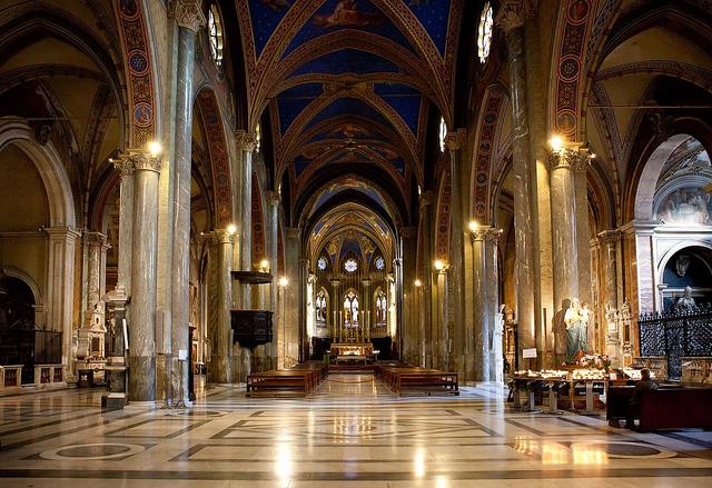 Экскурсии в Риме на русском языке. Базилика Санта-Мария-сопра-Минерва