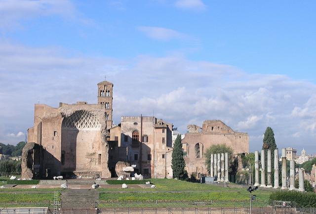 храм Венеры и Ромы, Римский форум