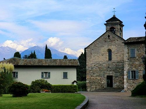 Аббатство Пиона в Колико