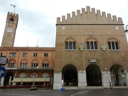 Дворец трехсот, Тревизо, Италия