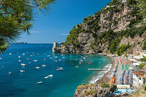 http://www.blogoitaliano.com/wp-content/uploads/2016/11/x640px-Positano_-_Fornillo_Beach.jpg.pagespeed.ic.XAjgtaBY1L.jpg