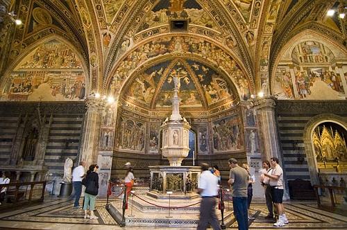 Баптистерий Сиенского собора