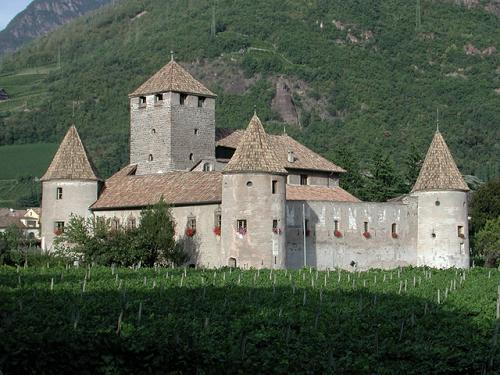 Замок рода Мареччио в Больцано