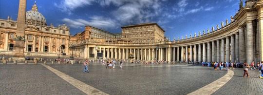 Площадь Святого Петра в Риме: история и особенности