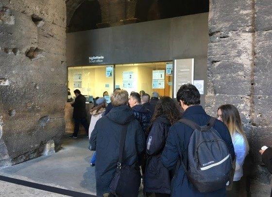 Колизей - одна из главных достопримечательностей Рима