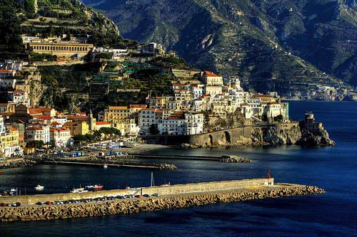 Побережье Амальфи - один из самых красивых маршрутов в Италии