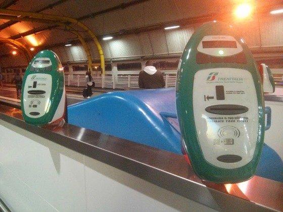 Автомат для компостирования билетов в Риме