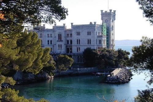 Замок Мирамаре