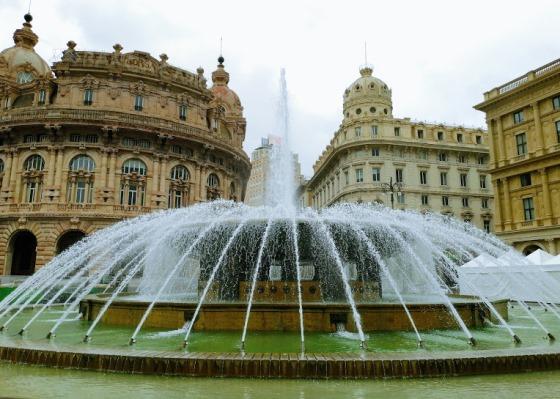Площадь Феррари в Генуе
