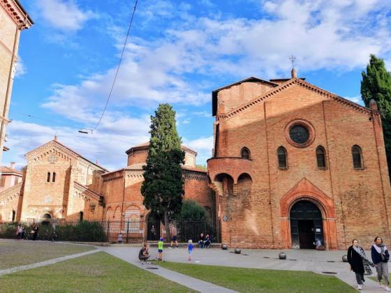 Монастырский комплекс Санто Стефано, Болонья