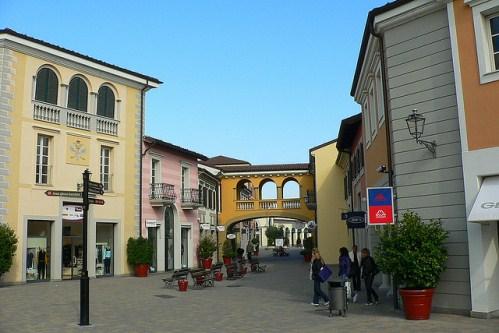 Аутлет Серравалле, Италия