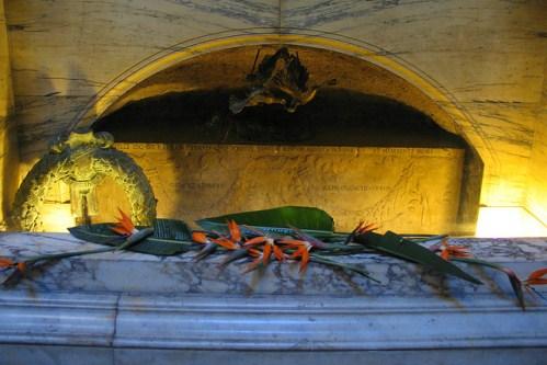 Могила Рафаэля в Пантеоне