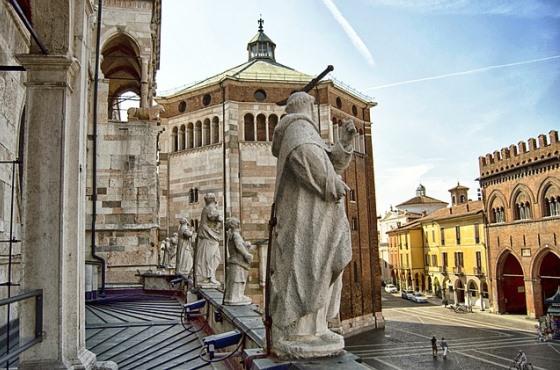 Кремона из Милана