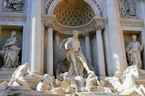 Статуя Нептуна, Фонтан Треви в Риме