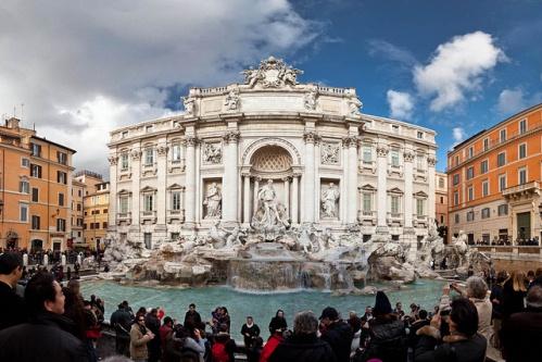 Фонтан ди Треви в Риме, Италия
