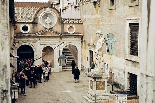 Внутренний дворик Замка Святого Ангела в Риме, Статуя Святого Архангела Михаила