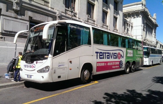 Автобус Terravision у Центрального вокзала Милана