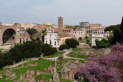 Март в Риме, Италия