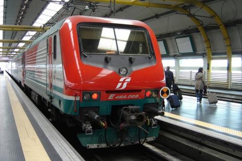Поезд из аэропорта Фьюмичино до вокзала Термини в Риме