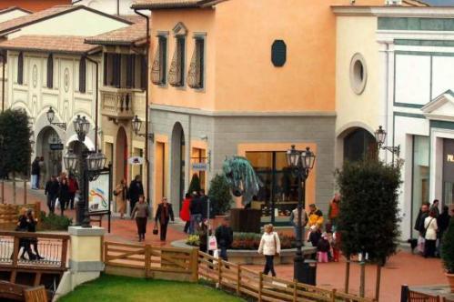 Самый большой аутлет возле Флоренции