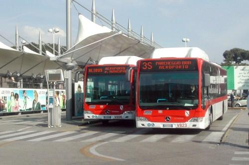 Шатл из аэропорта Неаполя в город