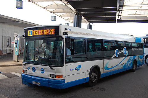 Автобусы из аэропорта Ниццы до города