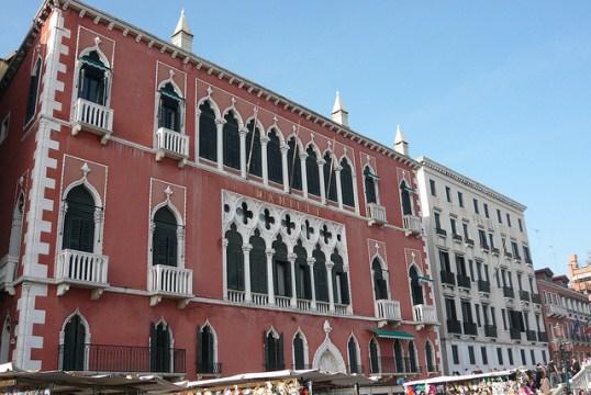 Палаццо Дандоло в Венеции