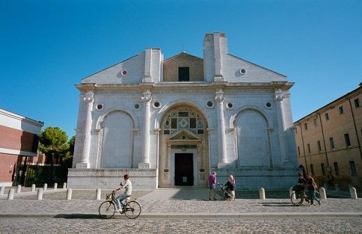 Кафедральный собор Темпио Малатестиано в Римини