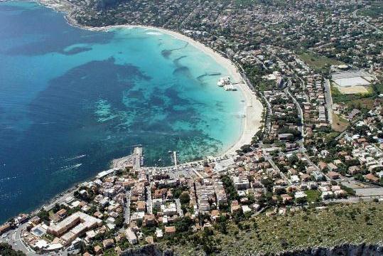 Пляжная зона Палермо Монделло, Сицилия