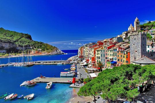 Живописный залив Ла Специя в Италии